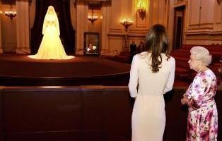 """Bodas reales - Isabel II sobre vestido de la boda real: """"¡Es horrible!"""""""